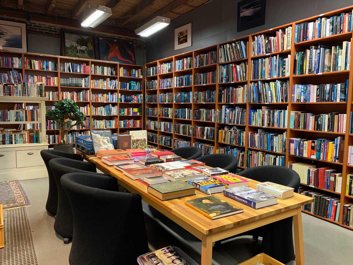 foto tweedehands boeken en cd's